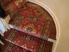 New stairs runner landing rugs ideas Interior Stairs, Hallway Decorating, Stair Runner Carpet, Tiny House Stairs, Staircase Design, Rugs, Carpet Stair Treads, Painted Stairs, Stairs