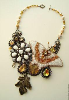 """Купить """"Пришедшая из Сказки"""" колье с бабочкой - комбинированный, Вышивка бисером, колье с бабочкой, сказочное колье"""