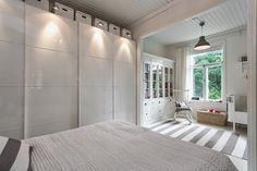 sypialnia rodziców połączona z pokojem dla dziecka - Lovingit.pl