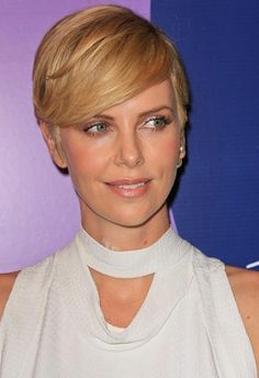 Charlize Theron-Short Haircuts for Thick Hair l www.sophisticatedallure.com