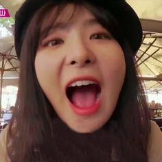 I'm gonna die from the cuteness UwU~~ Kpop Girl Groups, Korean Girl Groups, Kpop Girls, My Little Girl, My Girl, Cool Girl, Kpop Couples, Kang Seulgi, Red Velvet Seulgi