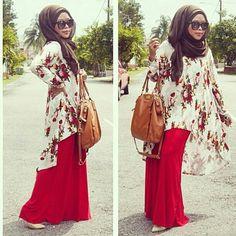 Red maxi skirt, Kimono-like blouse, Brown pashmina hijab Islamic Fashion, Muslim Fashion, Modest Fashion, Hijab Fashion, Girl Fashion, Fashion Dresses, Muslim Girls, Muslim Women, Hijab Look