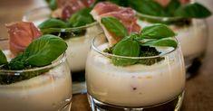Cuisine-à-Vous - Panna cotta van mozzarella met pesto, zongedroogde tomaten en ham