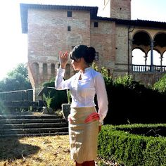 Expression of my 2Face Persian paisley skirt. I mixed part Ready-to-Wear with couture details to bring this simple skirt to highest heights of Luxury! And here I was outside the #Castle of Bufalini family in Perugia, Italy. =)