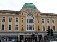 Roches Stores
