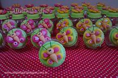 Lembrancinha de aniversario ou nascimento. Em biscuit po Gianine Guimaraes. Www.ateliedagi.blogspot.com