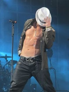 Donnie Wahlberg....yummy
