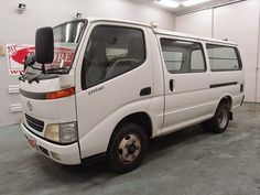 Japanese vehicles to the world: 2000 Toyota Dyna for Tanzania to Dar es salaam