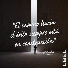 Feliz lunes! Con el tiempo veras que las cosas siempre suceden por alguna razon. #YoSoyLBEL #frases #motivación #esfuerzo #destino #lbel #lbelonline #lbelusa