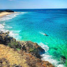 How Queenslanders spend a long weekend... . #DiscoverQueensland #StradbrokeIsland #ocean #turquoise #horizons #iphoneography #discoverbrisbane