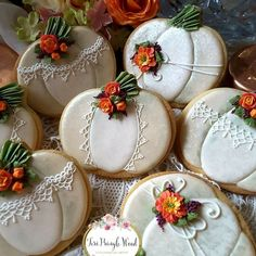 New Cookies Fall Decorated Ideas Pumpkin Sugar Cookies Decorated, Halloween Cookies Decorated, Halloween Sugar Cookies, Thanksgiving Cookies, Fall Cookies, Cut Out Cookies, Elegant Cookies, Dessert Halloween, Galletas Cookies