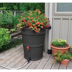 Rain Barrel Rain Station - Don't let that rainwater go to waste! The Rain Barrel Rain Station will catch rainwater from your downspout and save it for a drier day. The inclu. Rain Catcher, Rain Barrel System, Water Barrel, Barrel Planter, Water Collection, Dream Garden, Garden Projects, Craft Projects, Garden Inspiration