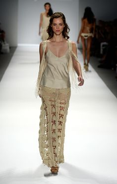 Agostina Bianchi: Spring Summer 2014. Crochet cotton trousers. Filet crochet hearts at the hips. Elasticated waist. http://www.agostinabianchi.com.ar/wp/wp-content/uploads/1635-04.jpg http://cdn.tiendanube.com/stores/010/091/products/1635%20back-1024-1024.jpg http://cdn.tiendanube.com/stores/010/091/products/1635%20front-1024-1024.jpg