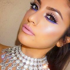 Deanna Paley @deelishdeanna Instagram Key Products: #AnastasiaBeverlyHills brow powder in 'Medium Brown' #HudaBeauty lashes in 'Candy' #MacCosmetics 'Blooz' eyeliner & 'Stars & Rockets' eyeshadow smudged in waterline/lower lashes. 'Soft & Gentle' to highlight. Lips are 'Snob' & 'Fleshpot' with Oak lipliner. 'Marilyn' Necklace from @shopdeelish