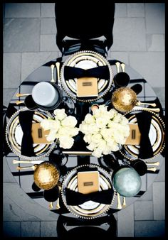 Black & Gold Glamour Table Settings
