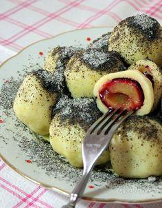 Slivkové gule Slovak Recipes, Czech Recipes, Russian Recipes, Baking Recipes, Snack Recipes, Eastern European Recipes, Jewish Apple Cakes, Good Food, Yummy Food