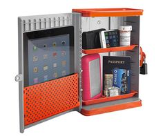 Making sure your valuables are safe in your college dorm room is important. The best security is with our Go Vault College Dorm Safe. Dorm security and safety are essential items to have on your college shopping list. Guy Dorm Rooms, Dorm Life, College Life, College Hacks, College Board, College Store, Dorm Hacks, College Packing, Shopping