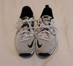 86f828a90e3 Extra Off Coupon So Cheap Nike Youth Boys Team Hustle Shoes great condition