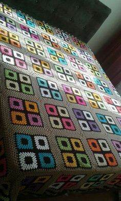 Transcendent Crochet a Solid Granny Square Ideas. Wonderful Crochet a Solid Granny Square Ideas That You Would Love. Crochet Bedspread, Crochet Quilt, Crochet Blocks, Crochet Squares, Crochet Home, Crochet Blanket Patterns, Crochet Granny, Crochet Motif, Baby Blanket Crochet