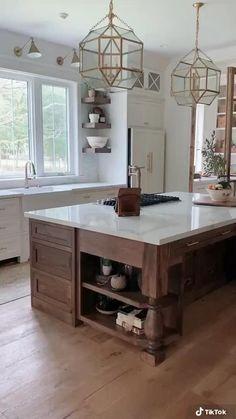 Rustic Kitchen Island, Farmhouse Style Kitchen, Modern Farmhouse Kitchens, Home Decor Kitchen, Kitchen Interior, Home Kitchens, Farm Style Kitchens, Kitchen Island Countertop Ideas, Lake House Kitchens
