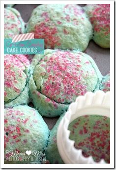 bake: Cotton Candy Cake Cookies. JUST DIED AND WENT TO HEAVEN. Need to find a made from scratch recipe though.