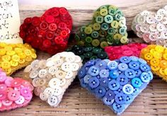 heart button pillows - (Inspiration: make with valentine colors and vintage buttons to fill a bowl for valentine decor) Heart Button, Button Art, Button Crafts, Diy Buttons, Vintage Buttons, Craft Projects, Sewing Projects, Projects To Try, Diy And Crafts