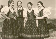 Girls from Velké Karlovice (CZech Republic) karlovské cérky Vintage Pictures, Czech Republic, Folklore, Beautiful Outfits, Sequin Skirt, Spirit, Stars, Girls, Fashion