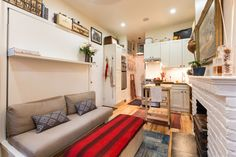 There are a lot of tiny apartments in New York so we weren't surprises to find out this one measured only 242 square feet which is around 22.4 square meter