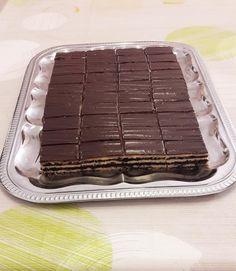 mákos zserbó Griddle Pan, Tiramisu, Food And Drink, Ethnic Recipes, Birthday Cakes, Dios, Grill Pan, Birthday Cake, Tiramisu Cake