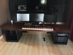 Beijer Workstations Home Studio Setup, Studio Interior, Studio Ideas, Piano Desk, Piano Room, Home Studio Musik, Recording Studio Furniture, Music Corner, Small Workspace