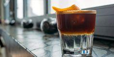 Αν σας αρέσει ο καφές αλλά θέλετε να είναι και δροσιστικός χωρίς να είναι πολύ λιπαρός ή βαρύς και φυσικά απεχθάνεστε τον φραπέ τότε η λύση είναι espresso tonic.