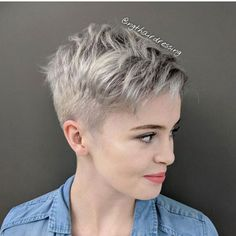 Short-Blonde-Pixie Pixie Hairstyles for the Best View Edgy Haircuts, Very Short Haircuts, Pixie Hairstyles, Haircut Short, Haircut For Older Women, Short Hair Cuts For Women, Short Hairstyles For Women, Ladies Hairstyles, Fashion Hairstyles