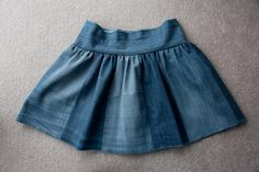 Shelley Made: Tutorial - Upcycle Jeans to Twirly Skirt Tutorial looks fab with great formulae to make for any size! Can't wait to try it for my daughter! Little Girl Skirts, Skirts For Kids, Diy Jeans, Girls Skirt Patterns, Coat Patterns, Blouse Patterns, Sewing Patterns, Diy Maxi Skirt, Skirt Pattern Free
