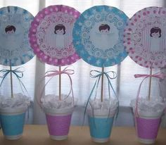centro de mesa frozen hombre araña minnie mickey violeta Baptism Decorations, Baby Shawer, Ideas Para Fiestas, Silhouette Projects, Stitch, Sari, Shower, Baby Party, Baby Things