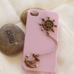 anchor -rudder iphone case phone case iphone 4 case  OMG IN LOVE but that chain would bother me...