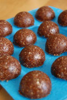 """The Nonstop Nutritarian: Freezer 'Brownies'.like Lära Bar bites. Vegan Treats, Vegan Desserts, Raw Food Recipes, Gourmet Recipes, Healthy Recipes, Free Recipes, Vegetarian Recipes, Healthy Sweets, Healthy Snacks"
