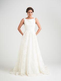 Mesmerizing | Exquisite Brides