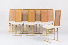 CHAISES EN METAL DORE CANNAGE ET VELOURS CHINE 1970 SET DE 8 Disponibles sur https://www.galerie44.com/collection/assises/chaises-en-metal-dore-cannage-et-velours-chine-1970-set-de-8-details