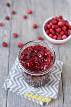 This Fresh Cranberry Sauce is made with simple ingredients, ready in 15 minutes and tastes great on recipes for breakfast, lunch and dinner.