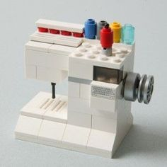"""A LEGO Sewing Machine by Spencer Starck, son of QM's Graphic Designer Denise Starck. """"""""¿Do I pin this in sewing or Geek. Lego Design, Lego Mini, Van Lego, Lego Gifts, Lego Boards, Lego Craft, Cool Lego Creations, Lego Instructions, Lego Friends"""