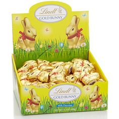 Lindt Gold Bunny, wrapped in golden foil with a red ribbon, continues to delight everyone's inner child. This Bunny is created with pure, signature Swiss milk chocolate. Lindt Gold Bunny, Chocolate Easter Bunny, Gourmet Gifts, Gourmet Recipes, Easter Candy, Easter Eggs, Cheesecake Mix, Lindt Lindor, Gingerbread Cake