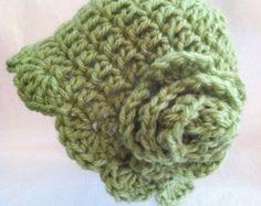 Crochet Hat with Flower, Newborn Hat, Cozy Crochet Baby Hat in Apple Green, Christmas, Autumn, Photo Prop, Hat with Flower