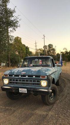 Classic Ford Trucks, Old Pickup Trucks, Ford 4x4, Lifted Ford Trucks, Chevy Trucks, Cool Trucks, Big Trucks, Black Truck, Vintage Menu