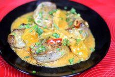 Tajski Przepis na Polędwiczki z Mlekiem Kokosowym i Ananasem - mleko kokosowe to doskonały składnik sosów w daniach mięsnych. Doskonałym dodatkiem jest również ananas, który uczyni tą potrawę wyjątkową, smakowało? Zostaw nam swoją opinię :)