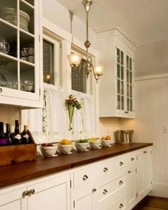 Victorian Kitchen Design draw their designs from the ornate furniture styles. Look these 25 Beautiful Victorian Kitchen Design Ideas. Rustic Kitchen, New Kitchen, Vintage Kitchen, Kitchen Decor, Kitchen Colors, Kitchen Ideas, Kitchen White, Kitchen Hacks, Victorian Kitchen