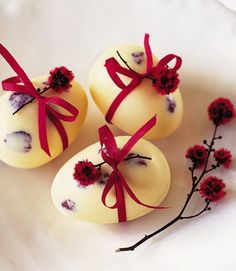 White chocolate marble Easter eggs