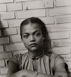 Eartha Kitt in Hamburg, 1950. Photo by Susanne Schapowalow.