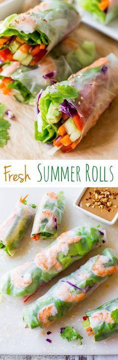 Sommerrollen zum Beispiel mit Scampi, Lachs, Avocado, Gurken, Karotten, Rotkohl, Koriander