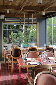 Restaurant Bella Vespa Glyfada Vespa, Greece, Restaurant, Table Decorations, City, Furniture, Home Decor, Wasp, Greece Country