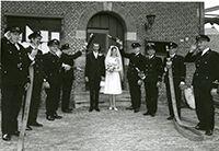 Jan Hoeve getrouwd in jisp met brandweer erehaag